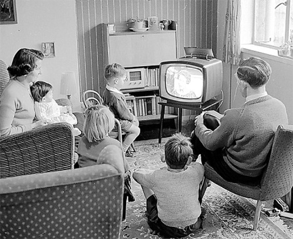 tv-family-watching-history